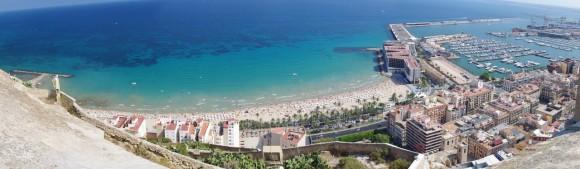 Plaja din Alicante, vazuta de sus