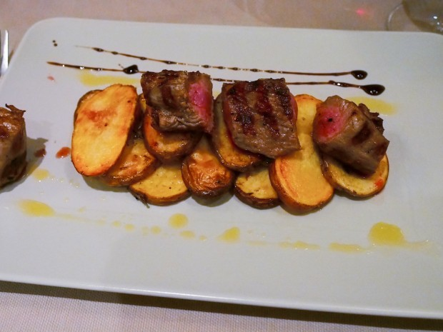 restaurant_nada_mas_spaniol_09_friptura_vitel_cartofi_copti