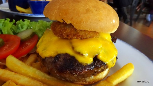 burger_hard_rock_cafe_13_legendary