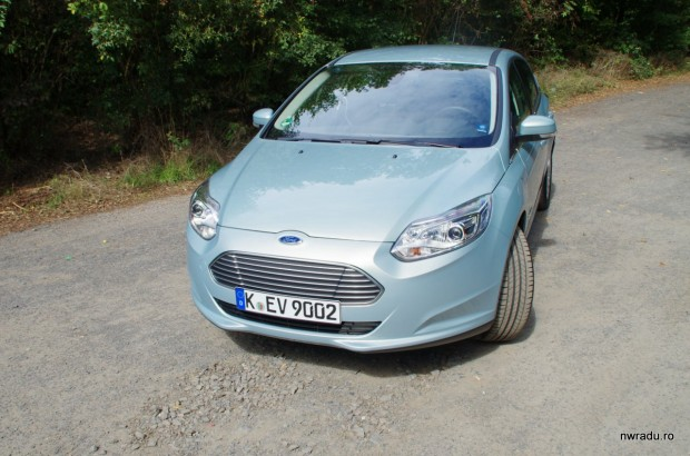 ford_focus_electric_02