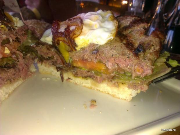 red_angus_old_tower_vintage_burger_07