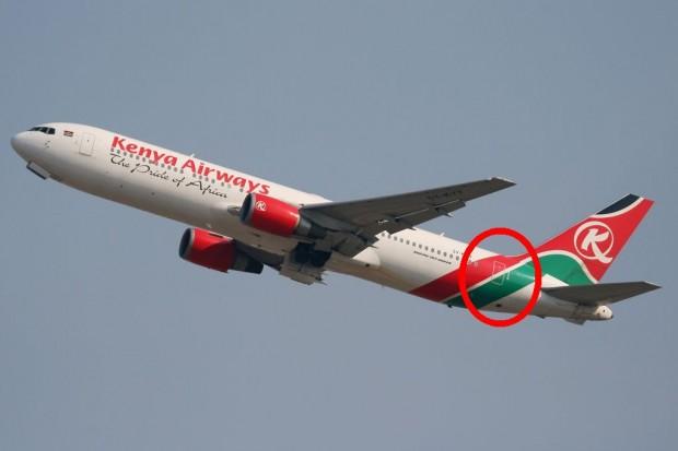 767 are ușa un pic mai în față de stabilizatorul vertical