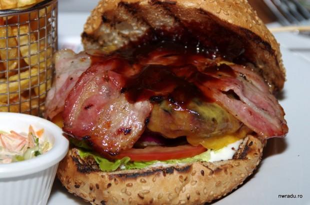 grand_combo_09_voodoo_burger