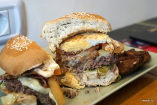 buffalo_baz_11_fam_burger