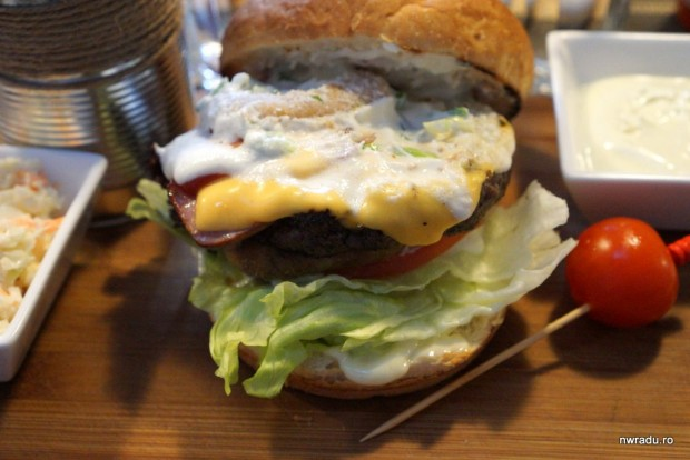 switch_eat_25_onion_rings_burger