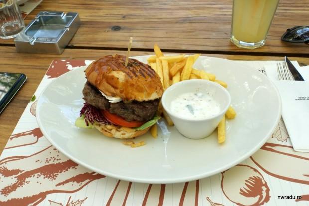 cafe_verona_burger_02