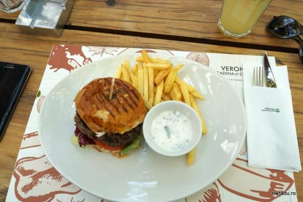 cafe_verona_burger_03