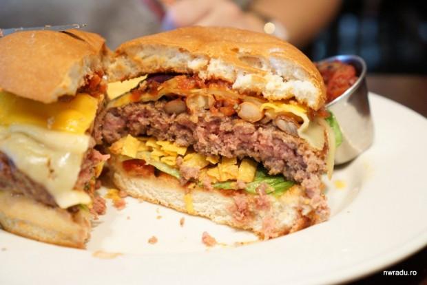 hard_rock_cafe_world_burger_tour_03_marimba