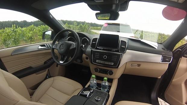 gle_coupe_interior
