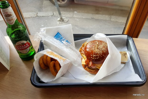 aria_gourmet_burger_18_garage_machoman_burger